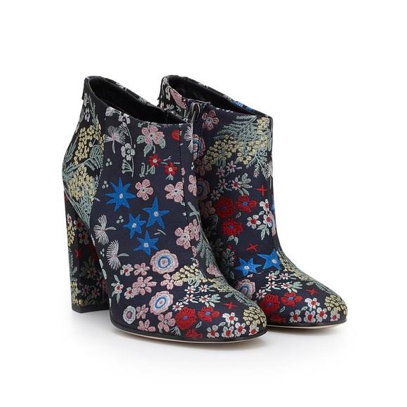 10f0eb61359bb0 Sam Edelman Campbell floral booties. M 5c7004dda5d7c672fca9e4db